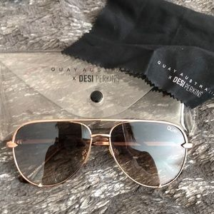 Quay x Desi Perkins Sunglasses with case